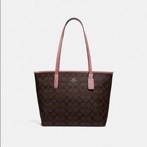 Coach City Zip Tote In Signature Canvas Dusty Rose